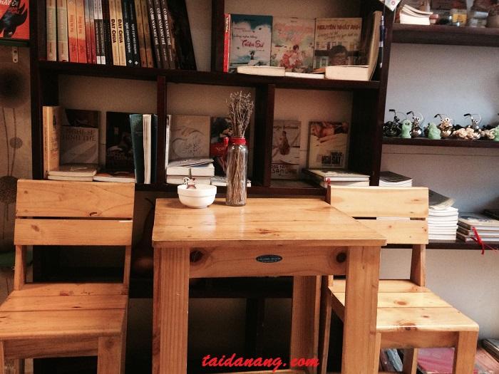 cafe sach da nang